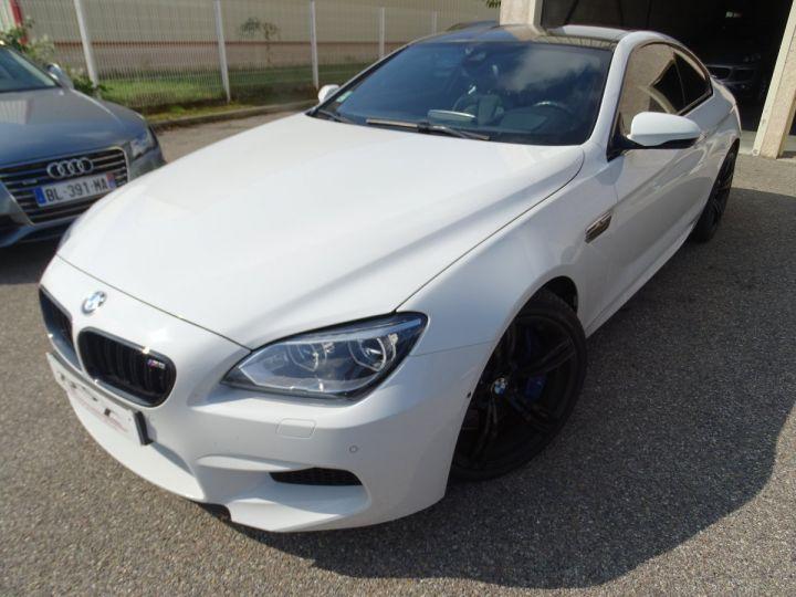 BMW M6 Coupe DKG7 560PS Véhicule Français FULL Options Echappements AKRAPOVIC blanc nacré - 2