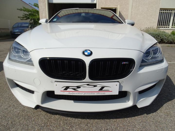 BMW M6 Coupe DKG7 560PS Véhicule Français FULL Options Echappements AKRAPOVIC blanc nacré - 3