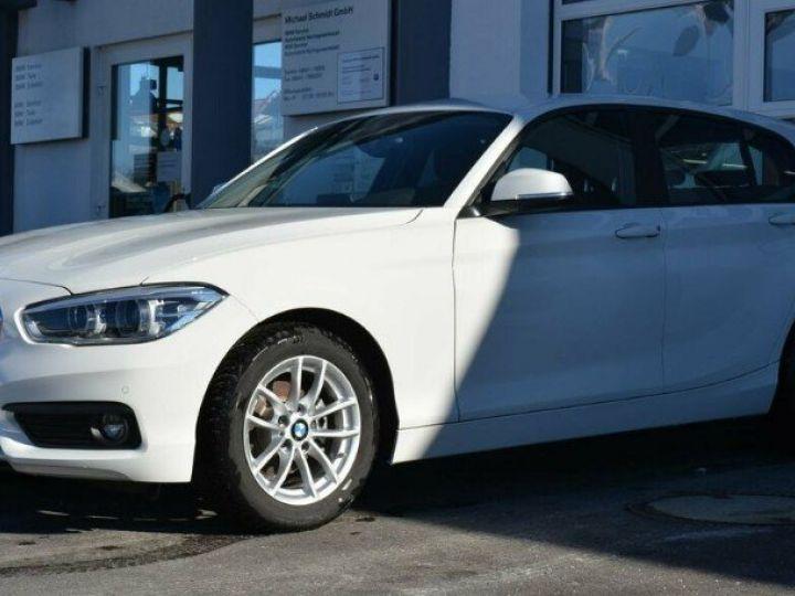 BMW Série 1 118i  1.5 136 ch Advantage (02/2018) blanc alpin - 1