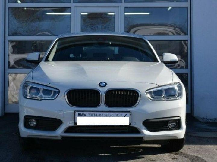 BMW Série 1 118i  1.5 136 ch Advantage (02/2018) blanc alpin - 2