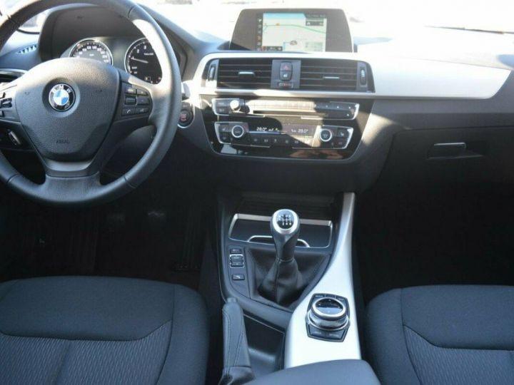 BMW Série 1 118i  1.5 136 ch Advantage (02/2018) blanc alpin - 13