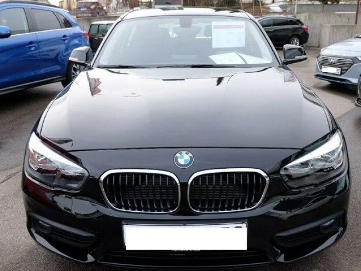 BMW Série 1 118i 1.5 136 sport (12/2017) noir métal - 9