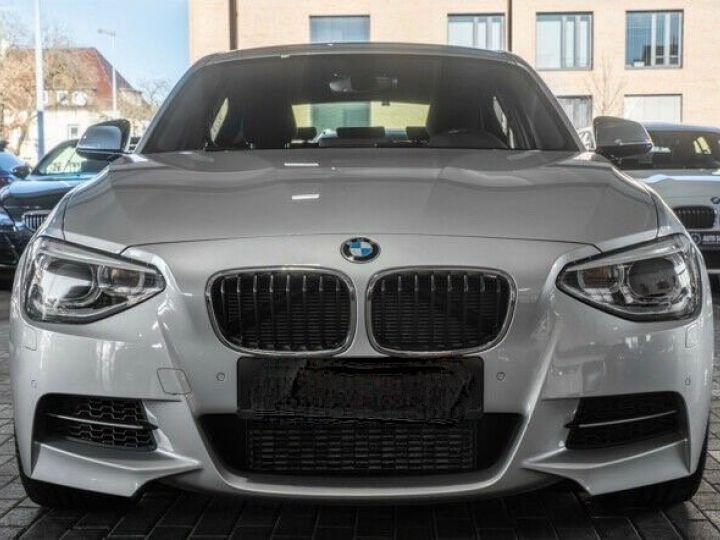 BMW Série 1 135I XDRIVE M PERFORMANCE 5P Gris métallisé - 2