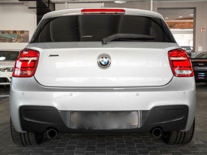 BMW Série 1 135I XDRIVE M PERFORMANCE 5P Gris métallisé - 4