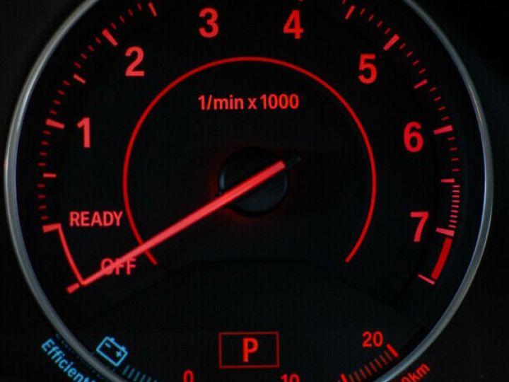 BMW Série 1 135I XDRIVE M PERFORMANCE 5P Gris métallisé - 16