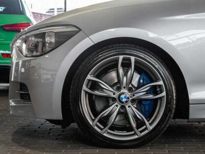 BMW Série 1 135I XDRIVE M PERFORMANCE 5P Gris métallisé - 19