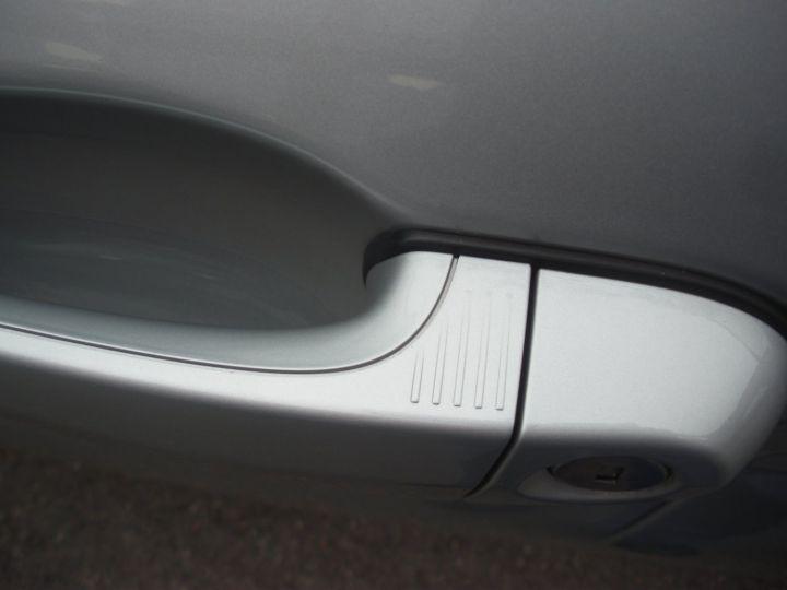 BMW Série 1 SERIE II 118D XD BUSINESS DESIGN gris - 14