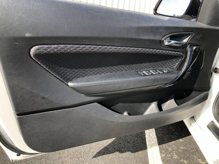 BMW Série 2 220i pack M BLANC - 13