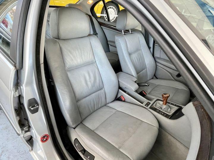 BMW Série 3 3 320 D 136cv Gris Clair - 14
