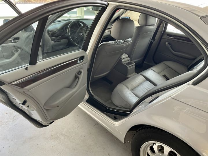 BMW Série 3 3 320 D 136cv Gris Clair - 8