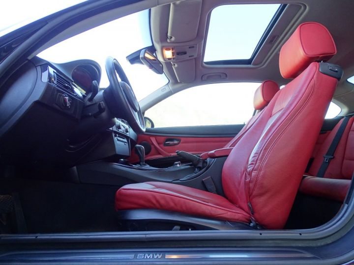 BMW Série 3 325 DA COUPE LUXE 3.0 6 CYL 197 CH - MONACO Black Sapphire Metal - 7