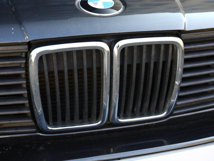 BMW Série 3 BMW 320I CABRIOLET E30 WORLDINE / 117000 KMS / BVM / VOLANT M Noir - 9