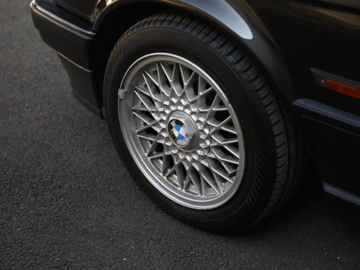 BMW Série 3 BMW 320I CABRIOLET E30 WORLDINE / 117000 KMS / BVM / VOLANT M Noir - 14