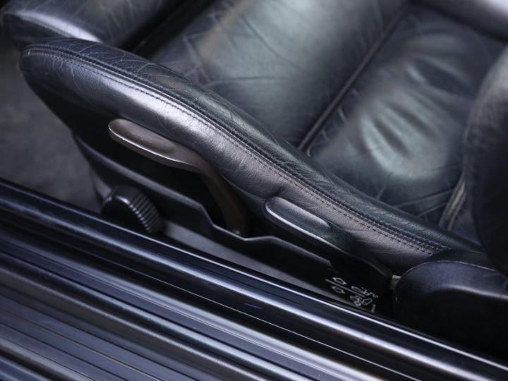 BMW Série 3 BMW 320I CABRIOLET E30 WORLDINE / 117000 KMS / BVM / VOLANT M Noir - 38