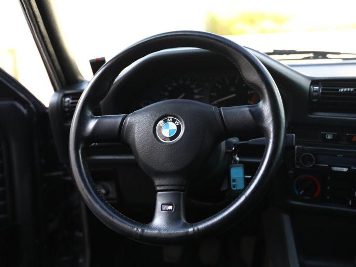 BMW Série 3 BMW 320I CABRIOLET E30 WORLDINE / 117000 KMS / BVM / VOLANT M Noir - 41