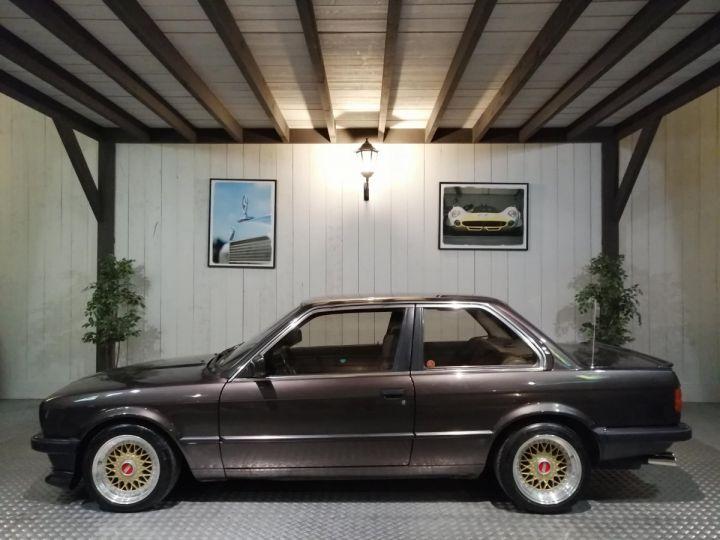 BMW Série 3 E30 325I 170 CV  Marron - 1