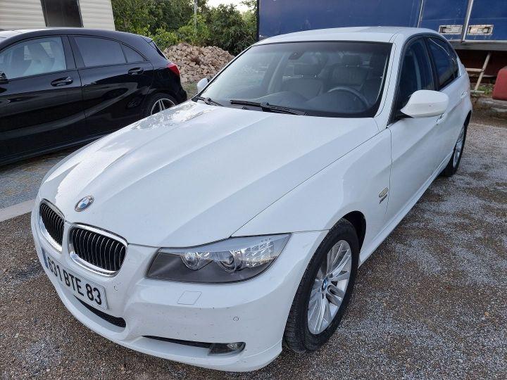 BMW Série 3 (E90) 325XI 218CH CONFORT Blanc - 1