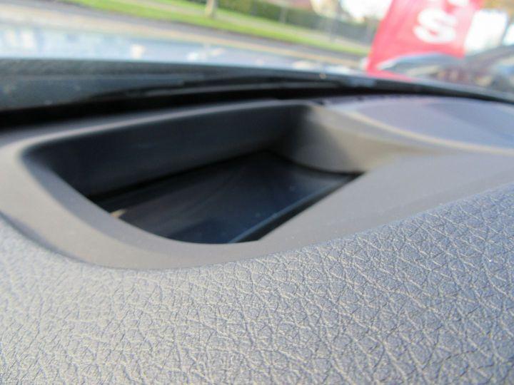 BMW Série 3 (F30) 330EA 252CH M SPORT Gris Clair - 13