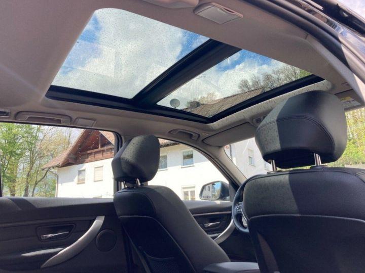 BMW Série 3 Touring 330d xDrive 258 AUTO 06/2014 59750KM! noir métal - 4