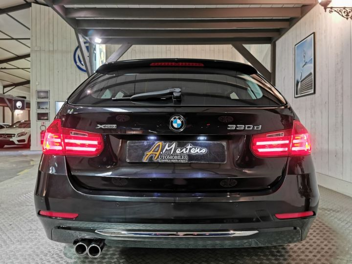 BMW Série 3 Touring 330XDA 258 CV LUXURY  Noir - 4