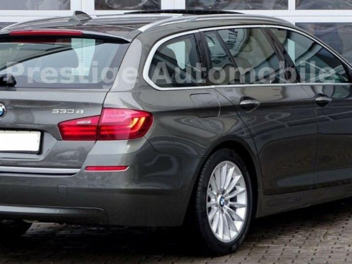 BMW Série 5 Touring 530 XDRIVE 258 LUXURY  gris daytona métal - 4