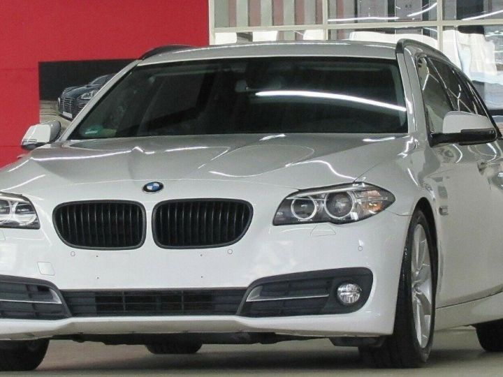 BMW Série 5 Touring 530D 258 LOUNGE BVA8 03/2015 Blanc métal  - 4