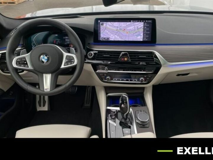 BMW Série 5 Touring 530D XDRIVE EDITION AERO M BVA 286cv BLEU PHYTON  Occasion - 4