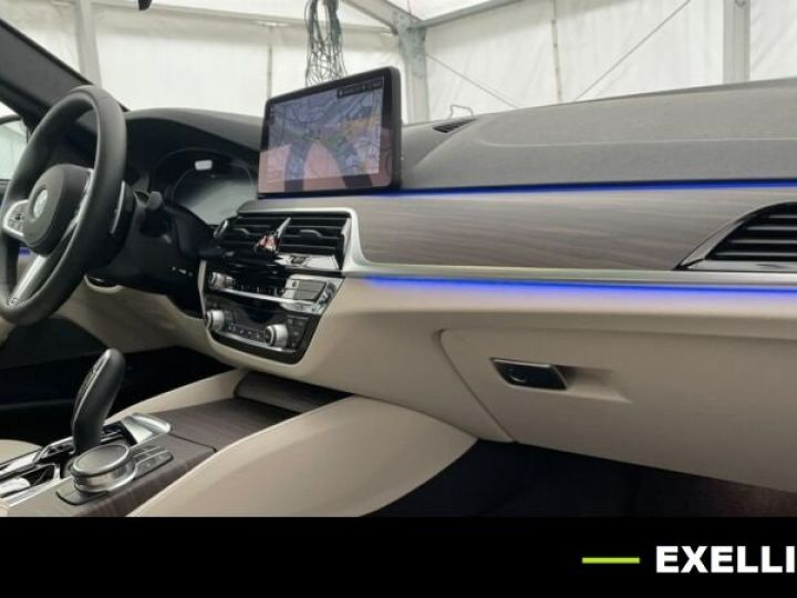 BMW Série 5 Touring 530D XDRIVE EDITION AERO M BVA 286cv BLEU PHYTON  Occasion - 11