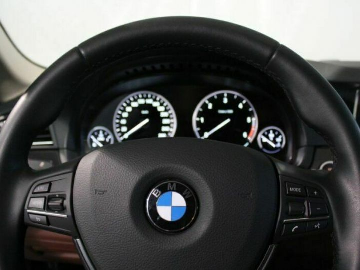 BMW Série 5 Touring 530dA xDrive 258 Touring (01/2017) Gris métal cachemire - 8
