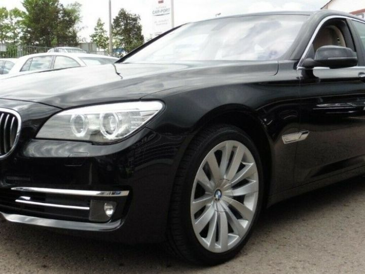 BMW Série 7 50d xDrive EXCLUSIVE ULTIMATE BVA8 (12/2012) noir métal - 1