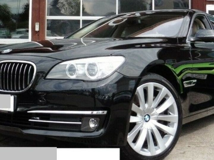 BMW Série 7 50d xDrive EXCLUSIVE ULTIMATE BVA8 (12/2012) noir métal - 7