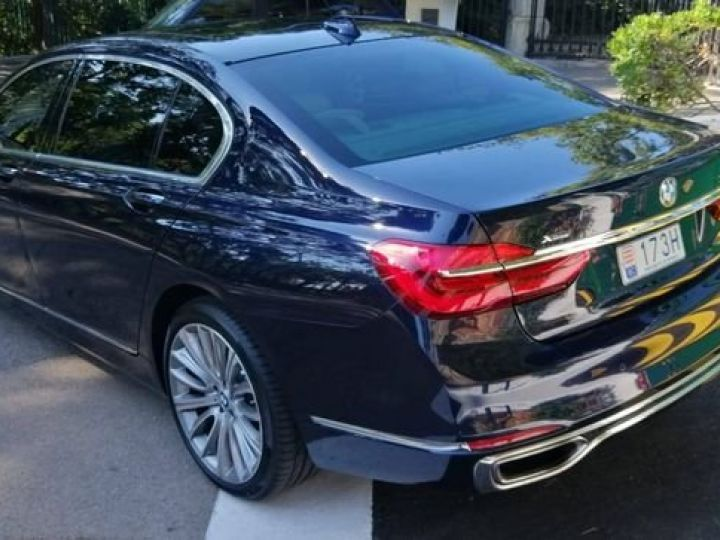 BMW Série 7 750 LI xdrive V8 noir - 5