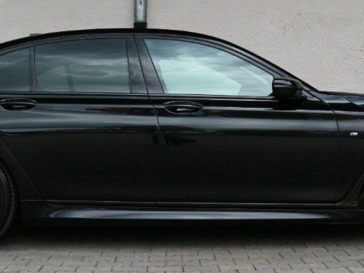 BMW Série 7 (G11) 730D XDRIVE 265 M SPORT BVA8 (05/2018) noir métal - 2