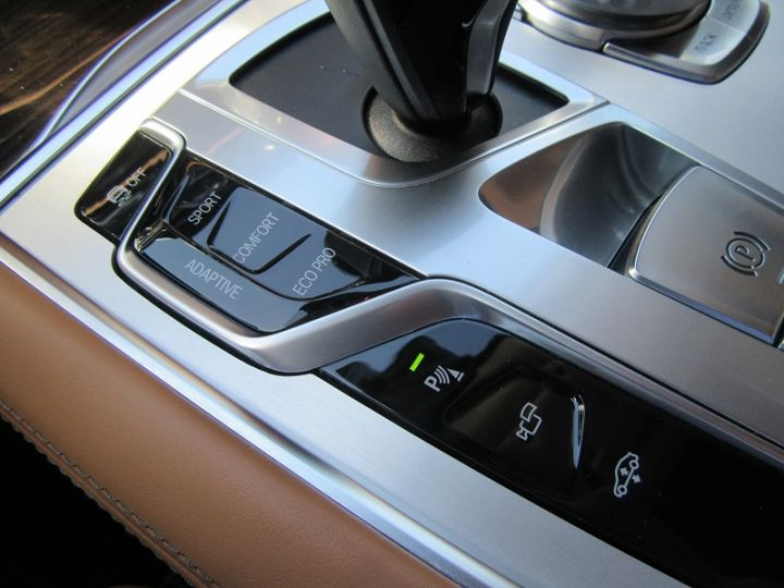 BMW Série 7 (G11/G12) 740IA 326CH EXCLUSIVE Noir Occasion - 16