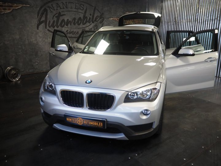 BMW X1 (E84) SDRIVE 20D 184 LOUNGE+ gris  - 9