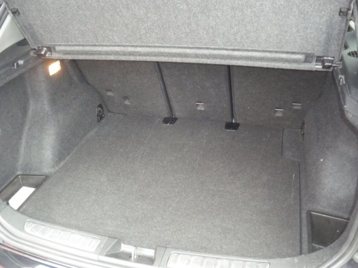 BMW X1 SDrive 18 D 143cv Noir - 9