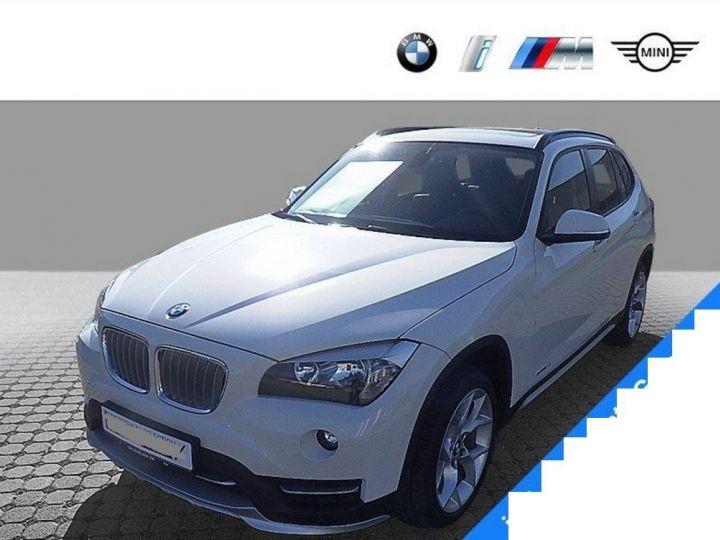 BMW X1 sDrive18d 143 xLINE Boite auto(05/2015) (Blanc) Alpine White - 2