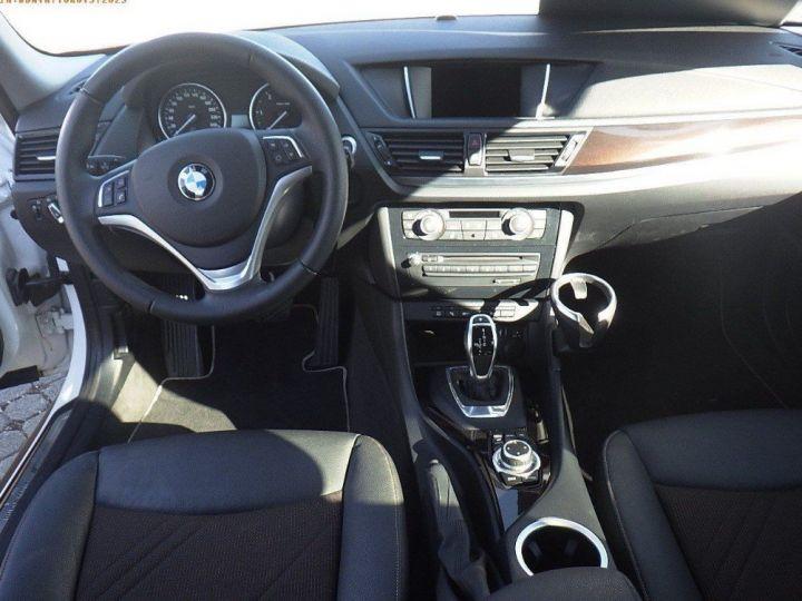 BMW X1 sDrive18d 143 xLINE Boite auto(05/2015) (Blanc) Alpine White - 9