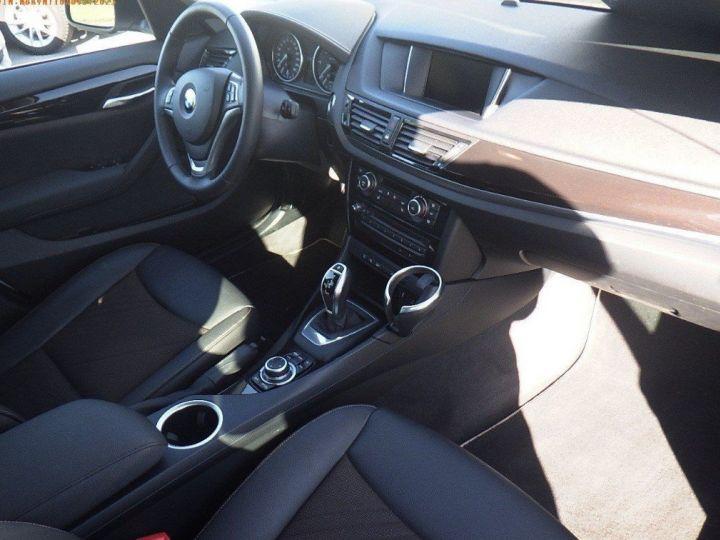 BMW X1 sDrive18d 143 xLINE Boite auto(05/2015) (Blanc) Alpine White - 11