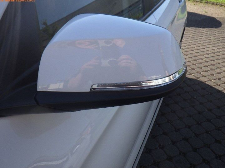 BMW X1 sDrive18d 143 xLINE Boite auto(05/2015) (Blanc) Alpine White - 14