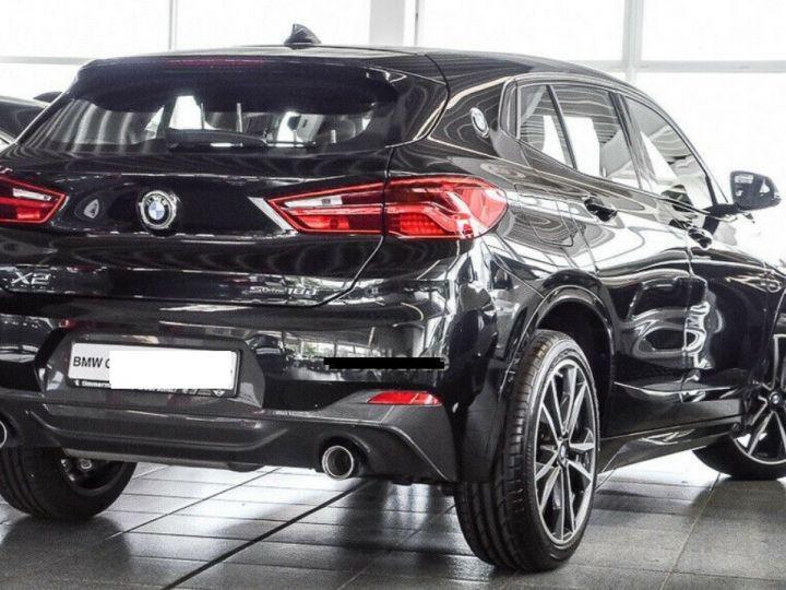 BMW X2  sDrive18d Aut. 150  Pack M Sport 08/2019 noir métal - 2