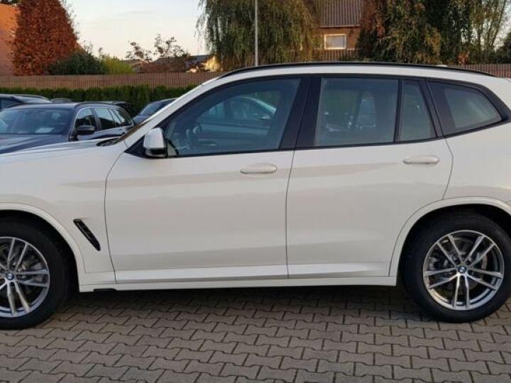 BMW X3 BMW X3 xDrive 20d M Sport blanc - 9
