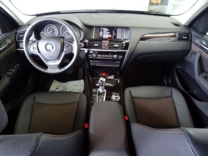 BMW X3 BMW X3xDrive20d/Xenon/Navi/Panorama/Caméra/Garantie 12 Mois noir - 2