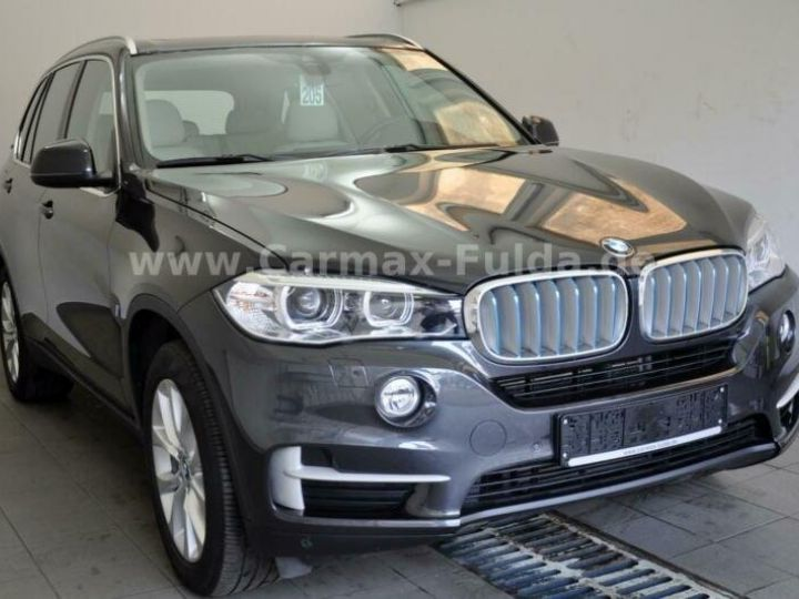 BMW X5 40e xDrive Cuir,Panorama Gris Peinture métallisée - 1