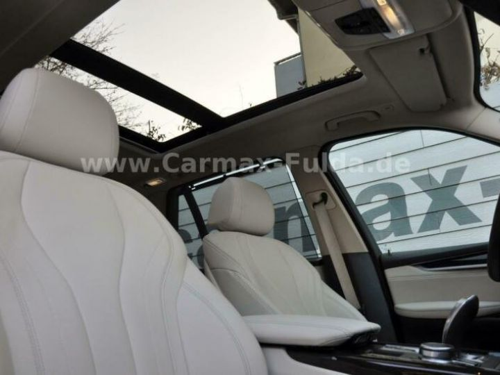 BMW X5 40e xDrive Cuir,Panorama Gris Peinture métallisée - 3