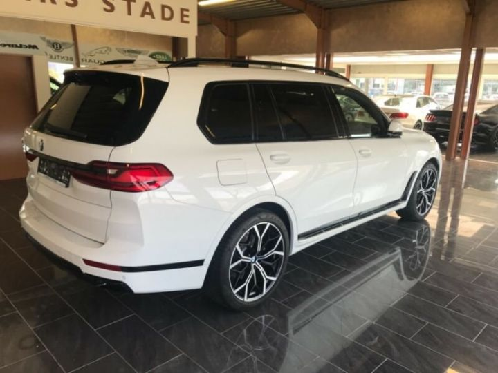 BMW X7  BMW X7 xDrive40i 340 ch BVA8 M Design Pure Excellence 2020 / Toit pano Blanc - 9