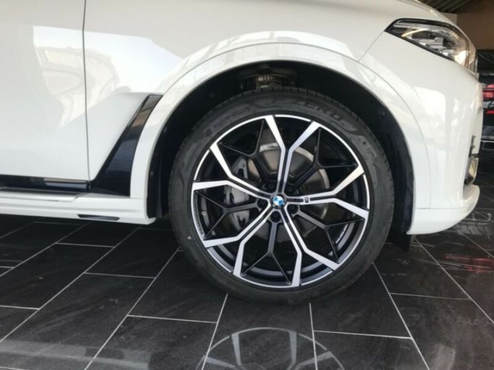 BMW X7  BMW X7 xDrive40i 340 ch BVA8 M Design Pure Excellence 2020 / Toit pano Blanc - 10