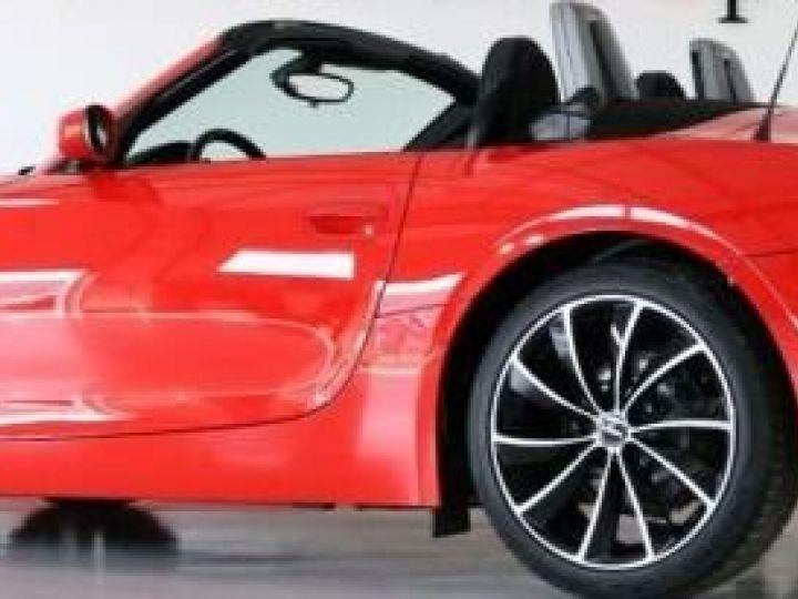 BMW Z4 2.2L i rouge  - 2