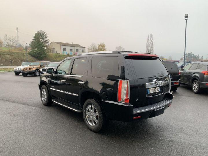 Cadillac ESCALADE 6.2 L V8 409 CV Luxury Noir - 3