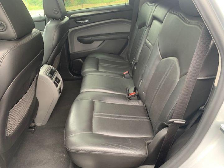Cadillac SRX 3.0 V6 Sport Luxury A GRIS - 4